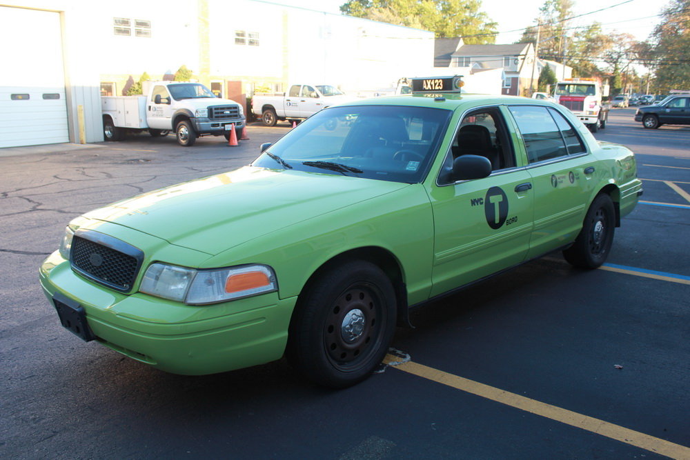 PICTURE CAR SERVICES LTD | Ford Crown Victoria Green 2008