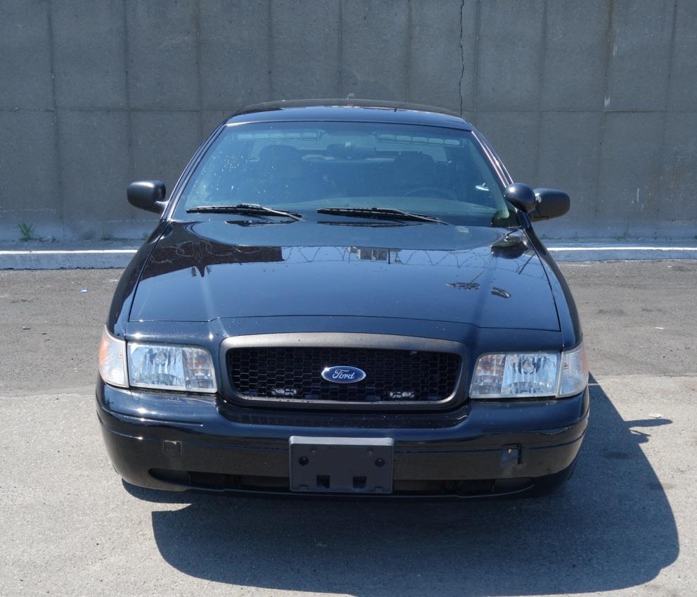 Ford Crown Victoria Black 2010